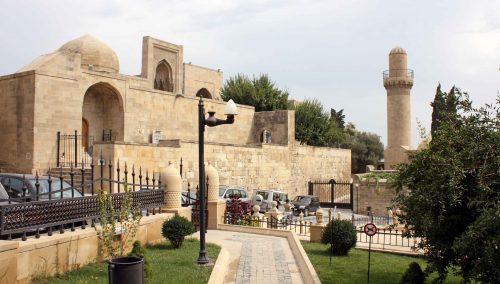 قصر شیروانشاه